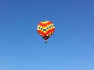 hot-air-balloon-over-lake-norman